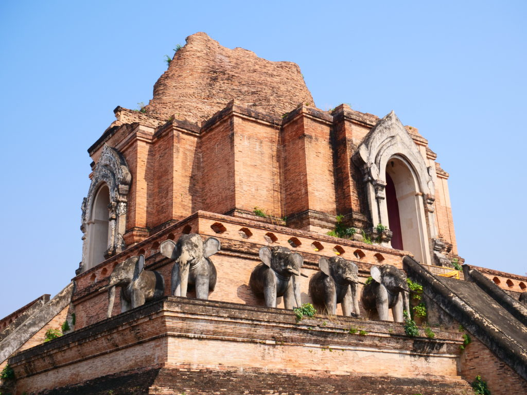 Wat Chedi Luang Chiang Mai_Mit Baby in Chaing Mai Thailand